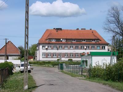Szkoła budowana w latach 1932-33