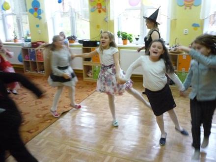 Oglądasz obraz z artykułu: Zabawa karnawałowa w szkole w Starninie